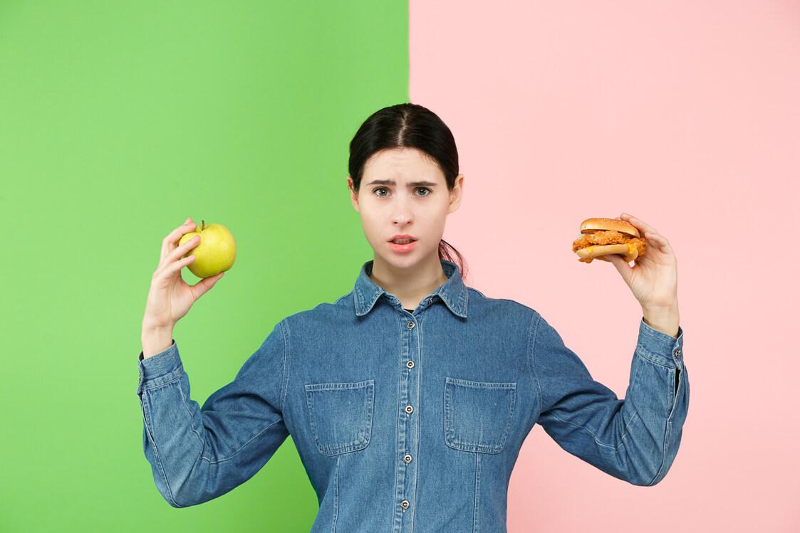 הקשר בין מיינדפולנס לאכילה רגשית